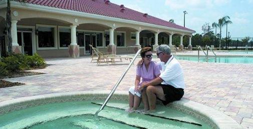 retirement-living-at-villages-royal-palm